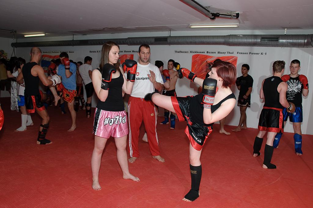 Spannendes Thaiboxen mit Azem Maksutaj