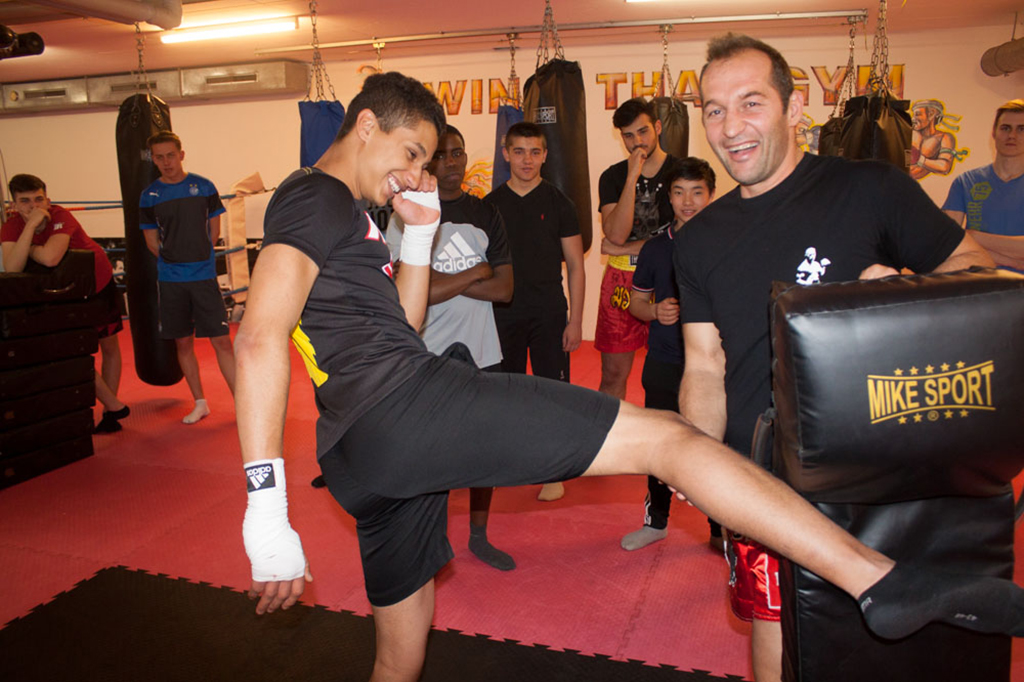 Traineren mit dem 14- Fachen Thaibox Weltmeister