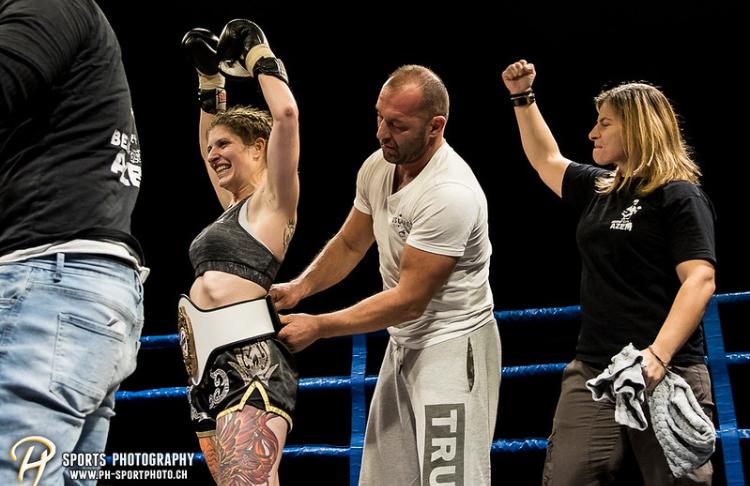 Azem Kampfsport Lea Fürer Schweizer Meistertitel Thaiboxen